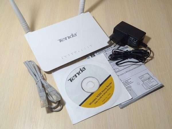 Содержимое упаковки Tenda F300