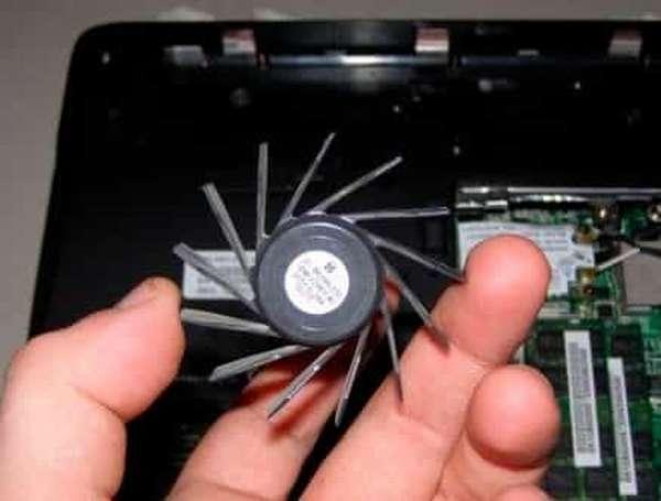 как почистить ноутбук от пыли - пыльный кулер