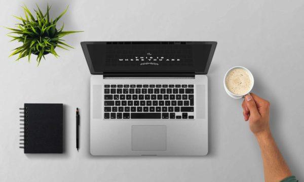 Для работы фрилансеру бывает достаточно стола, ноутбука и чашки кофе