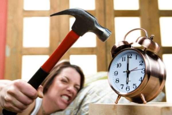 От ненависти к будильнику вы, может быть, избавитесь, но выработать удобный режим работы может быть сложно