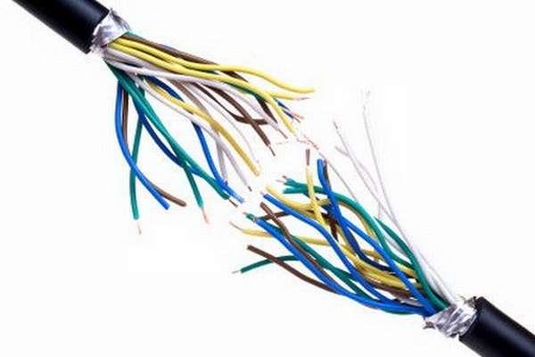поломаный кабель