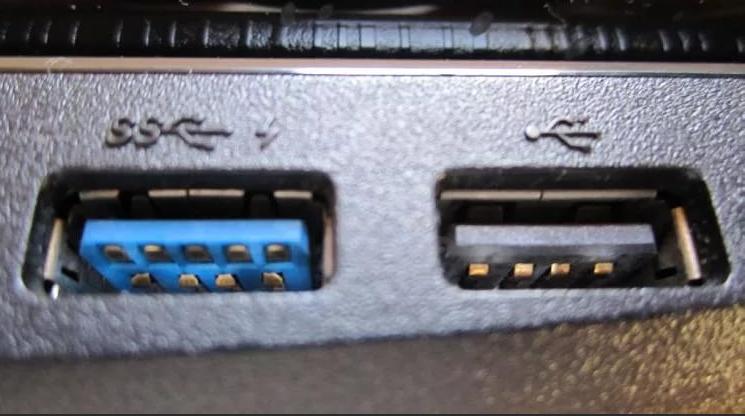 Не найден необходимый драйвер для дисковода оптических дисков в Windows 7 при установке с флешки