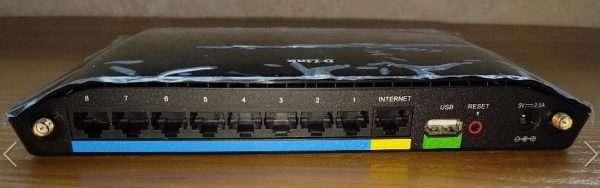 Вид роутера DIR-632 сзади