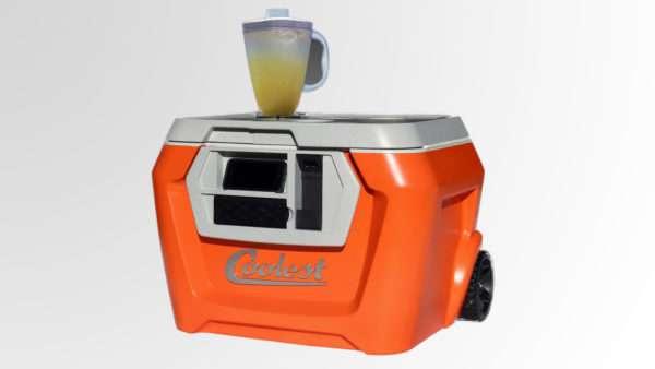 Coolest – функциональное устройство для охлаждения напитков на пикнике