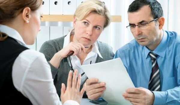 При выборе вклада важно найти грамотного специалиста для консультации