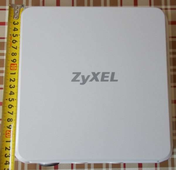 Лицевая панель устройства LTE6101